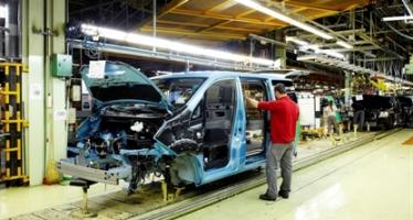 La fàbrica Nissan de la Zona Franca contractarà gairebé 700 treballadors