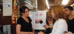 Carina Mejías rep les preocupacions sobre el transport públic i els comerciants del Mercat de la Marina