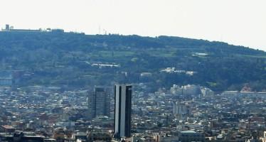 Sota la muntanya màgica de Montjuïc