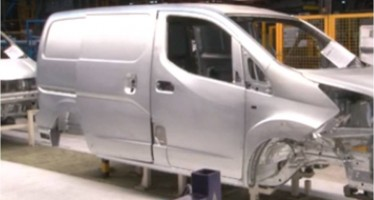 Nissan posa en marxa la producció d'un nou vehicle totalment elèctric