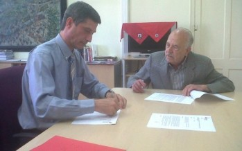 El Districte signa un conveni amb Ramon Anglès per desenvolupar el projecte Memòria viva de la Marina