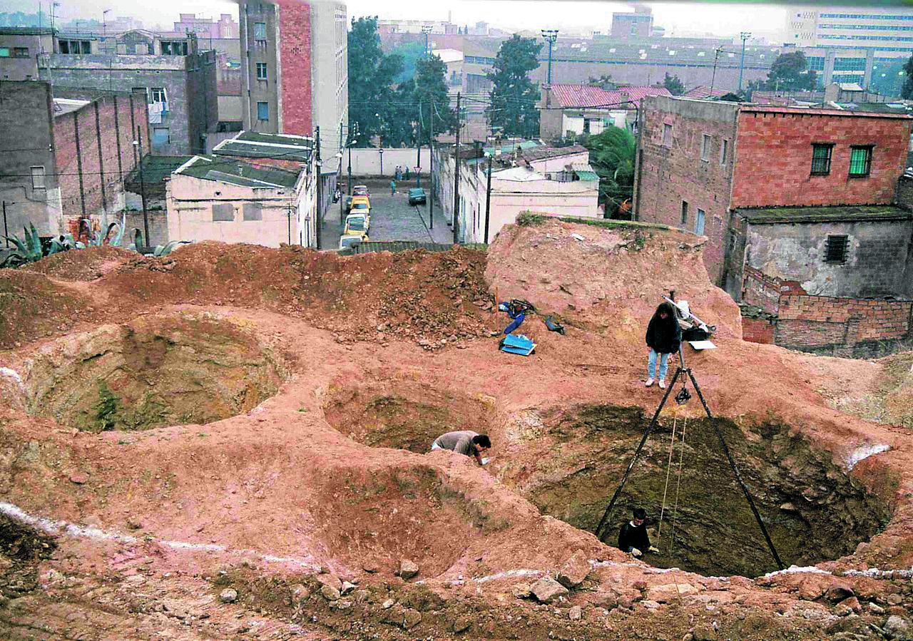 Sitges de Port o Via Magòria. 1990. Wikiwand.