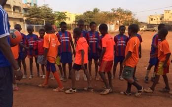 L'Escola de Futbol Ángel Pedraza no té fronteres