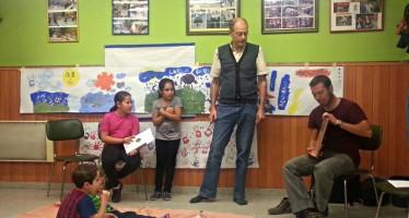 La mini biblioteca d'Eduard Aunós inaugura el contacontes infantil