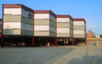 L'Escola Enric Granados obre el seu pati durant les vacances de Nadal i Reis