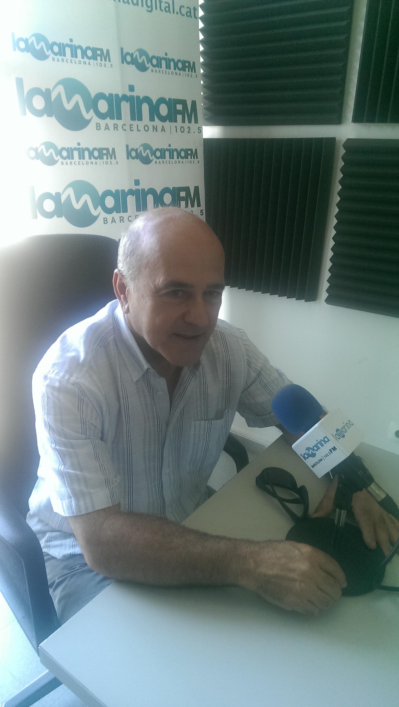 Josep Maria Pérez durant l'entrevista a La Marina FM